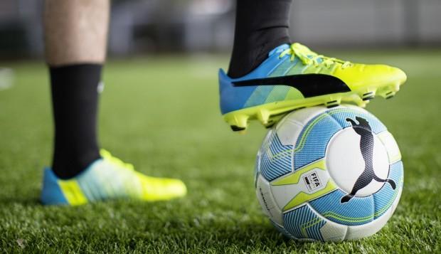 PUMA evoPOWER 1.3 Soccer, Football Boot, Calzado