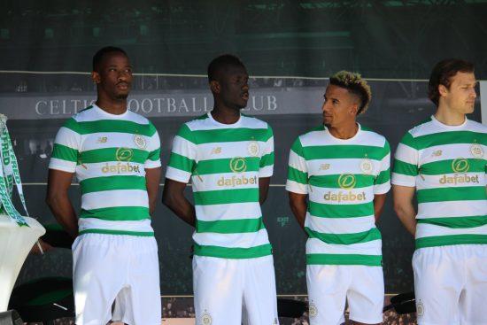 Celtic FC Honor Lisbon Lions with 2017 2018 New Balance Home Football Kit, Soccer Jersey, Shirt