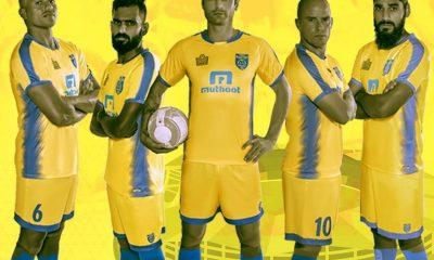 Kerala Blasters 2017 2018 Admiral Home Football Kit, Soccer Jersey, Shirt